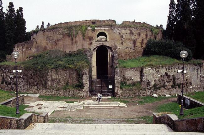 Interventi di restauro a roma mausoleo di augusto e ara pacis for Augusto roma