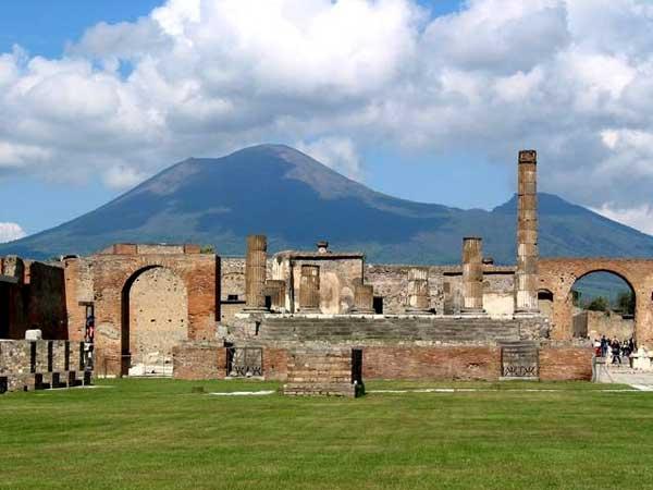 Italian Florence: Naples And Pompei Day Tours