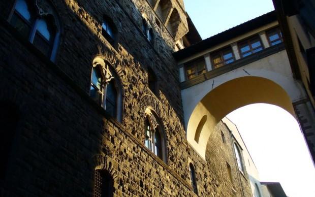 riapre il passaggio che collega palazzo vecchio e uffizi